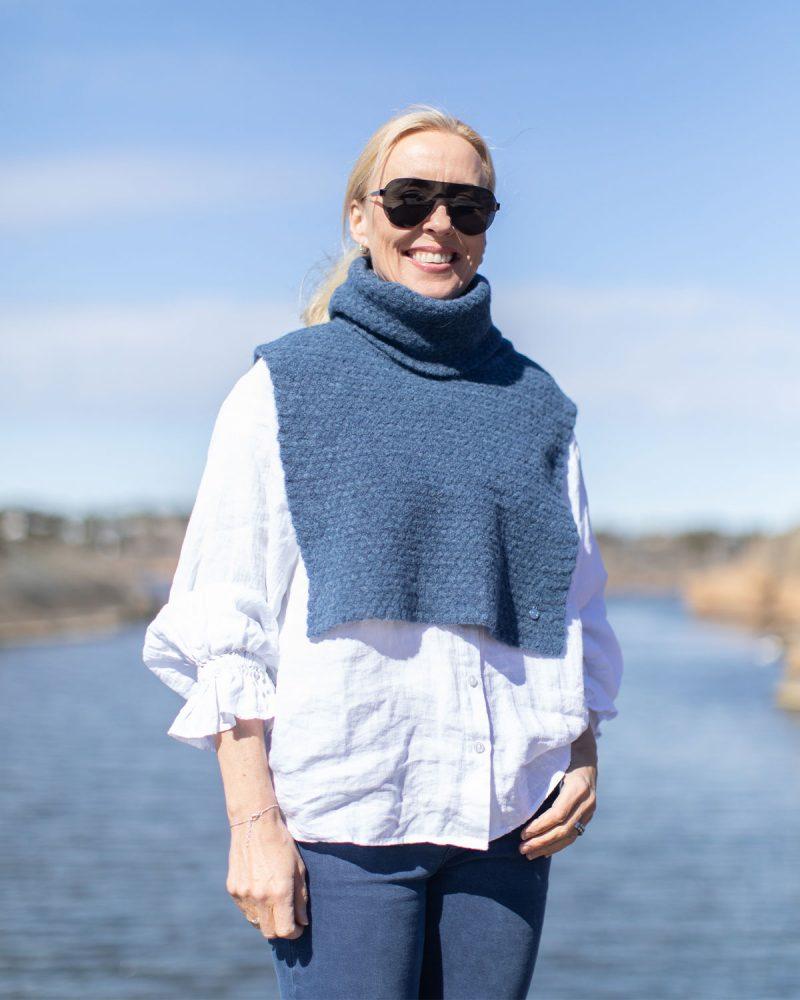 Coco hals i jeansblå fra Dehn Design AS