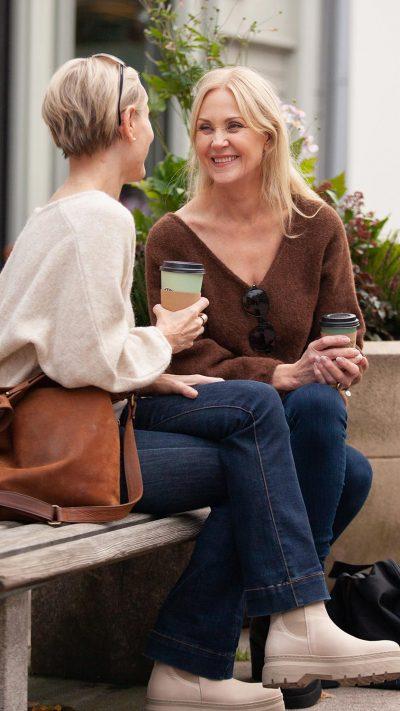 Ella genser i offwhite og brun