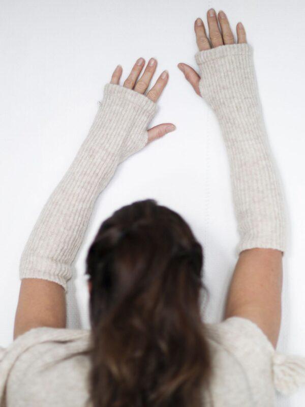 JOY fingerless gloves by Merete Dèhn